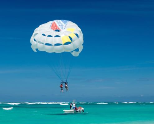 parasailing in Maldives